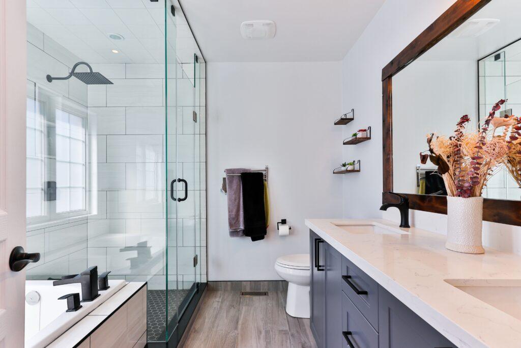 Ceramic Tiling Bathtub Grapevine